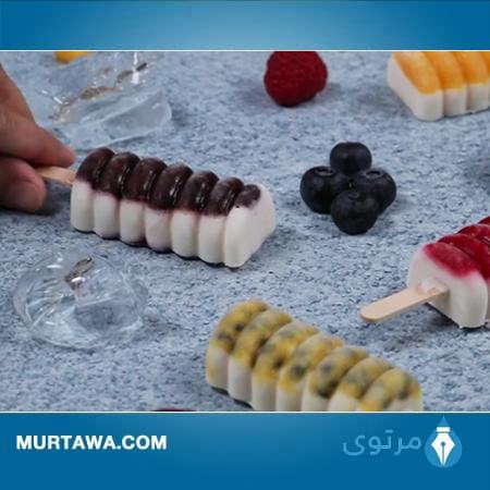 عمل المثلجات بالزبادي والفواكه
